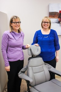 Tia Chabot, left, and Rae-Lynne Robichaud from Grande Prairie, Alta. opening the satelliete office in Hay River of denture business Modern Smiles. Hay River Photo by Diana Yeager Northern News Services Ltd.