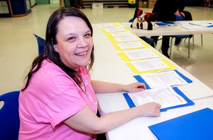 Paul Bickford/NNSL photo At an initial organizing meeting on Feb. 24, Rachel Daigneault-Durocher, chair of the 2016 Hay River Relay for Life fundraiser for the Canadian Cancer Society, outlined the duties of volunteers heading the committees overseeing various aspects of the event.