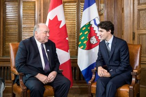 photo by Adam Scotti / Courtesy of Prime Minister's Office Premier Bob McLeod, left, met with Prime Minister Justin Trudeau on Nov. 22 during a visit by the NWT cabinet to Ottawa.