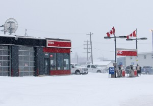 Paul Bickford/NNSL photo A bomb threat was called in on Nov. 29 to the Hay River Esso service station.