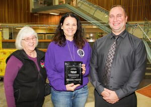 Paul Bickford/NNSL photo Lynne Beck, centre, the principal of Diamond Jenness Secondary School, was presented the 2016 NWT Ministerial Restorative Justice Award on Dec. 9. Steve Versteeg, right, the manager of programs and projects at community justice and policing with the Department of Justice, made the presentation. Also on hand was Bobbi Hamilton, left, the co-ordinator of the Hay River Community Justice Committee.
